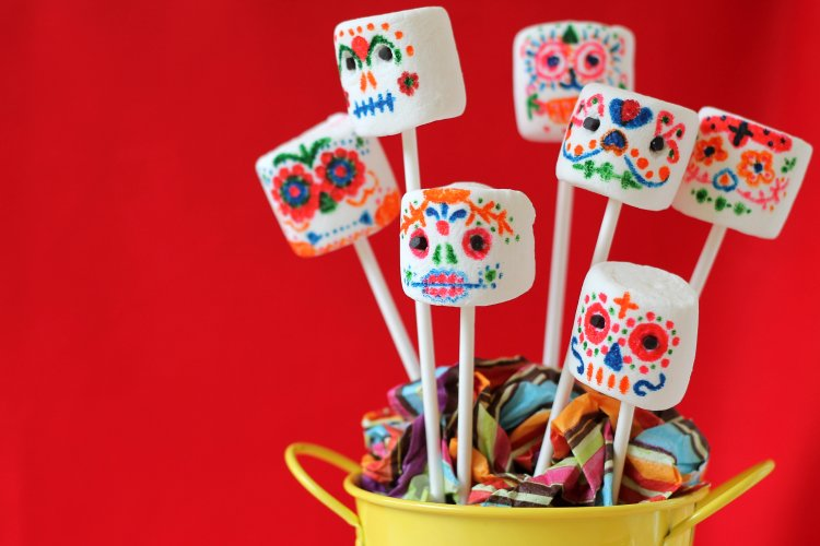 9 Party Ideas for Dia De Los Muertos -Party Ideas for Day of the Dead, Day of the Dead Party Ideas, Dia De Los Muertos Party Ideas, Dia De Los Muertos DIY Projects, Popular Pin