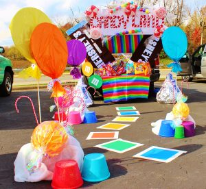 12 Trunk-Or-Treat Ideas You Can Create Seriously Fast | Trunk or Treat, Trunk or Treat Ideas, Halloween Ideas, Trunk or Treat Hacks, DIY Trunk or Treat, Trunk or Treat Decor, DIY Home Decor, Halloween Decor, Trick or Treat