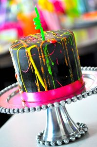 how to make a paint splatter centerpiece