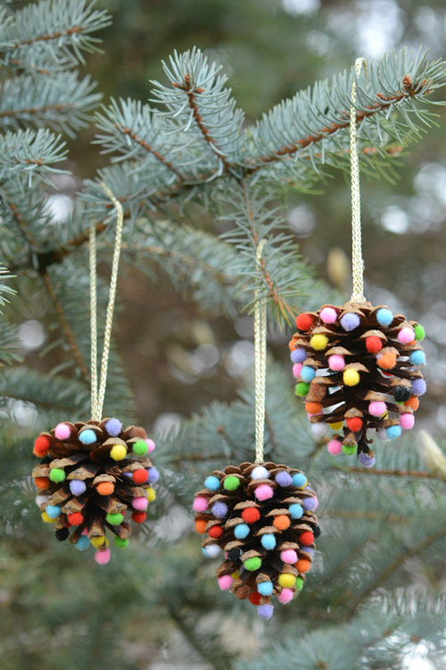 10 Christmas Ornaments You Can Make With Your Kids | Christmas Ornaments, Christmas Ornament Projects, DIY Christmas Ornaments, Kid Friendly Crafts, Kid Friendly DIY Crafts, Ornament Crafts, Christmas Crafts, Christmas Crafts for Kids