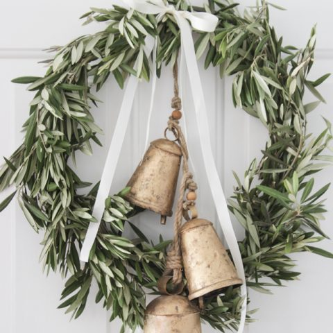 Make Your Own Holiday Wreaths that Won't Break the Bank| Holiday, Holiday Wreaths, Christmas Wreaths, DIY Holiday, DIY Christmas Wreaths, Christmas, Christmas Decor, Chrsistmas Porch Decor #HolidayWreaths #DIYWreaths #Porch