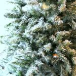 How to Flock a Christmas Tree| Christmas Tree, Christmas Tree Decor, Flock a Christmas Tree, How to Flock a Christmas Tree, Christmas Decor, DIY Christmas Decor, Popular Pin #Christmas #ChristmasTree