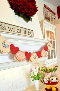 Valentine's Day | Valentine's Day Decorations | Valentine's Day Dollar Store Decorations | Valentine's Day Decorations from the Dollar Store
