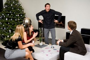 10 Inexpensive Party Games {For Adults}  Holiday Ideas, Party Games, Party Games for Adults, Birthday Party, Party Games for Adults, Games, Fun Games
