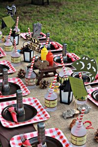 10 Tremendous Ideas for a Backyard Birthday Campout| Brithday Party Ideas, Camping Party Ideas, Backyard Party Ideas, Easy Party Ideas, Outdoor Party, Outdoor Party Ideas
