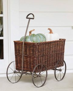 outdoor fall decor, fall decorations, outdoor fall decorations