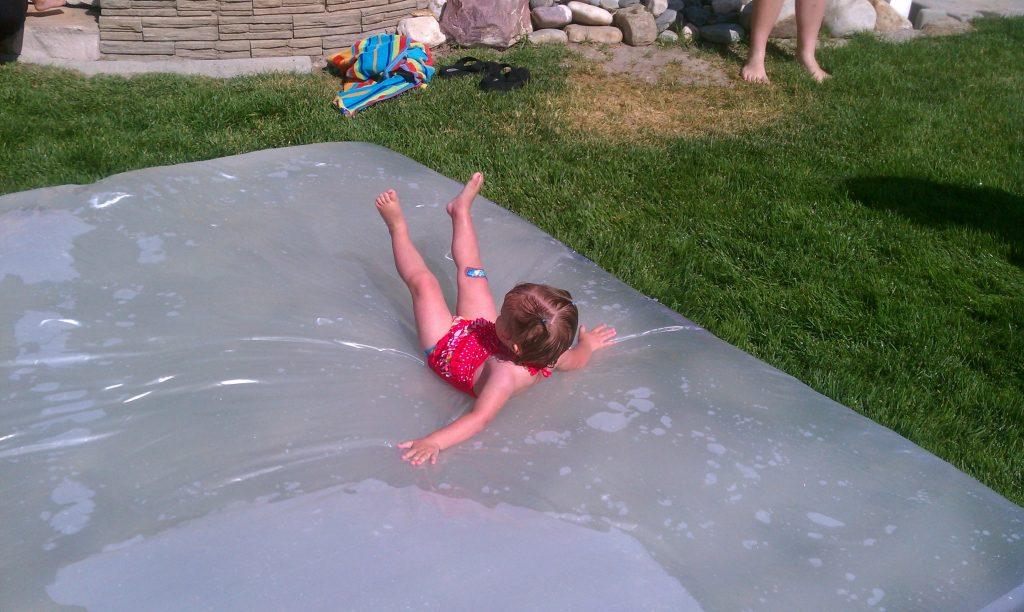 DIY water blob | water blob | DIY projects | outdoor DIY projects | outdoor fun | beat the heat