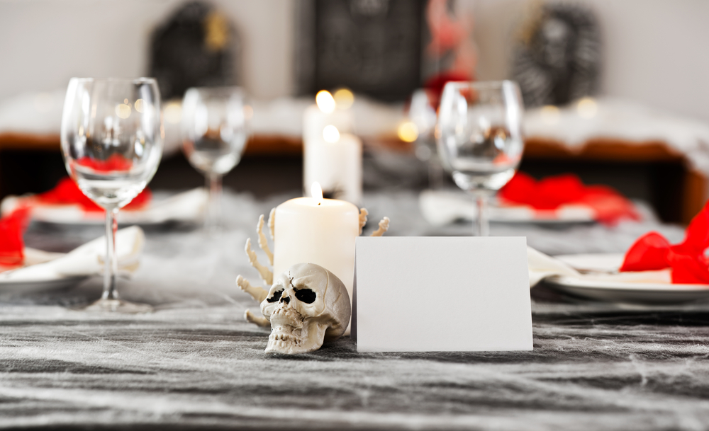 Halloween costume dinner party | Halloween | dinner party | Halloween dinner party | party ideas | costume