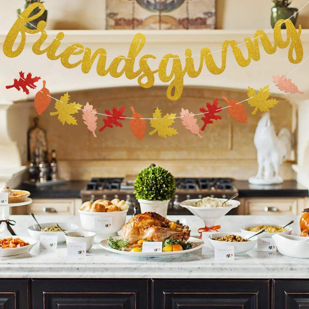 Have you ever heard of Friendsgiving? It's the best way to have fun, spend time with friends, and enjoy the holidays. Try it out this year!
