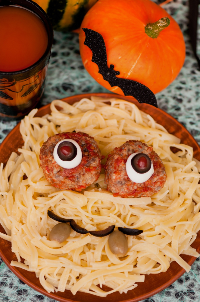 creepy Halloween dinner party | Halloween | dinner party | Halloween dinner party ideas | Halloween dinner party recipes | recipes | Halloween recipes