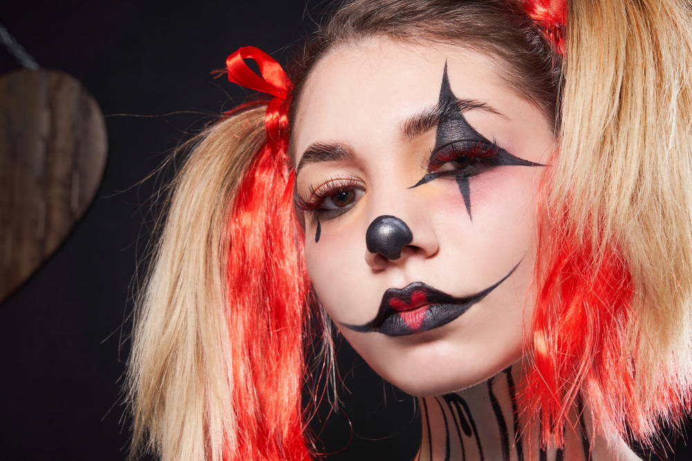 There's nothing better than perfectly creepy clown makeup for Halloween