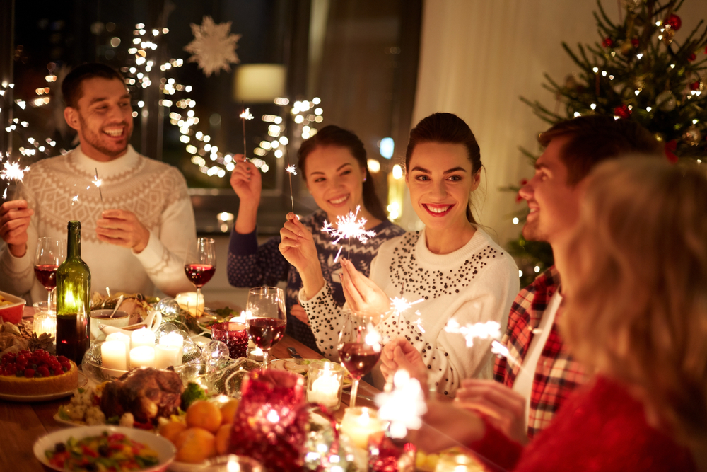 It can be tricky coming up with holiday party ideas for all your friends. Why not try having a progressive dinner? Everyone will get to help out and they're really so much fun!