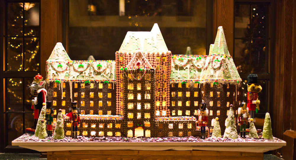 If you want to have an epic holiday season, try making some of these gingerbread houses. You will have so much fun making them and everyone will be impressed with your skills!