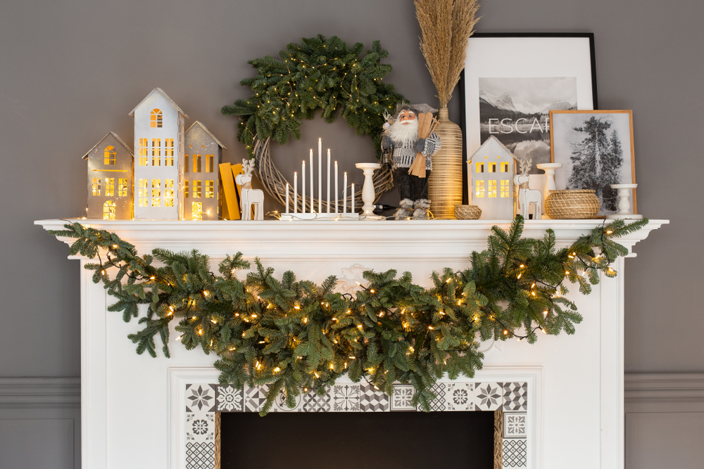 As your setting up your mantel for Christmas, try sticking with just one color. It will look so cute! These mantel Christmas decor will really get you in the holiday spirit.
