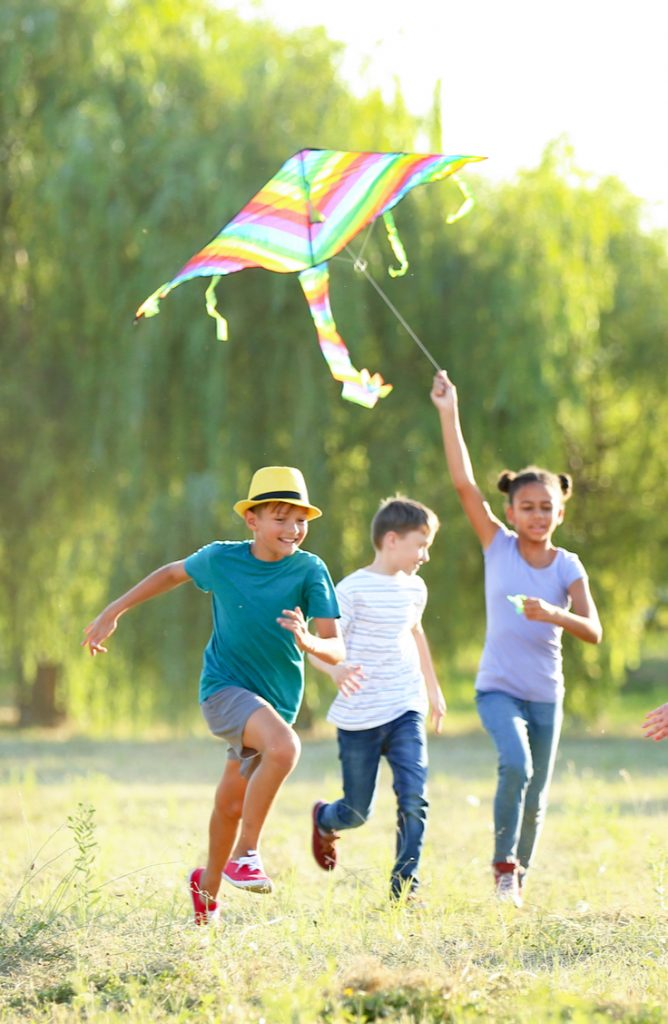 The Easter Bunny brings my kids kites so they can fly them as the weather warms up. See how you can change it up this year and make DIY kites for kids. They are so easy to make and the kids will love them.